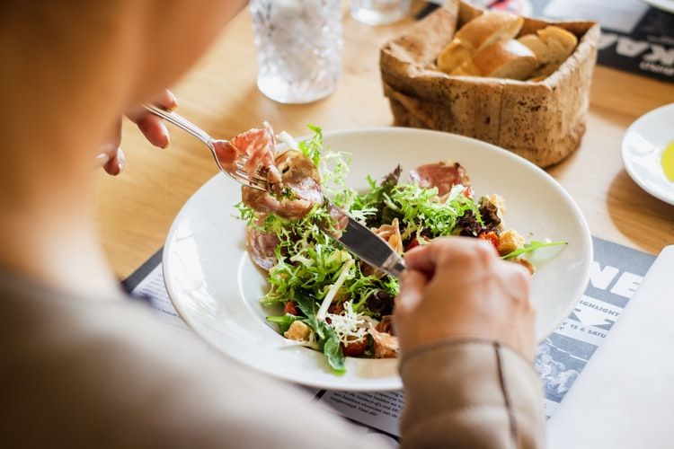 como mudar hábitos alimentares ruins